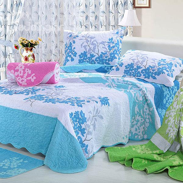 Fresh Sky Blue Floral Pattern White Background Color Bed